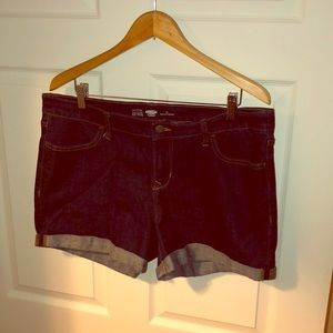 Old navy semi fitted regular shorts